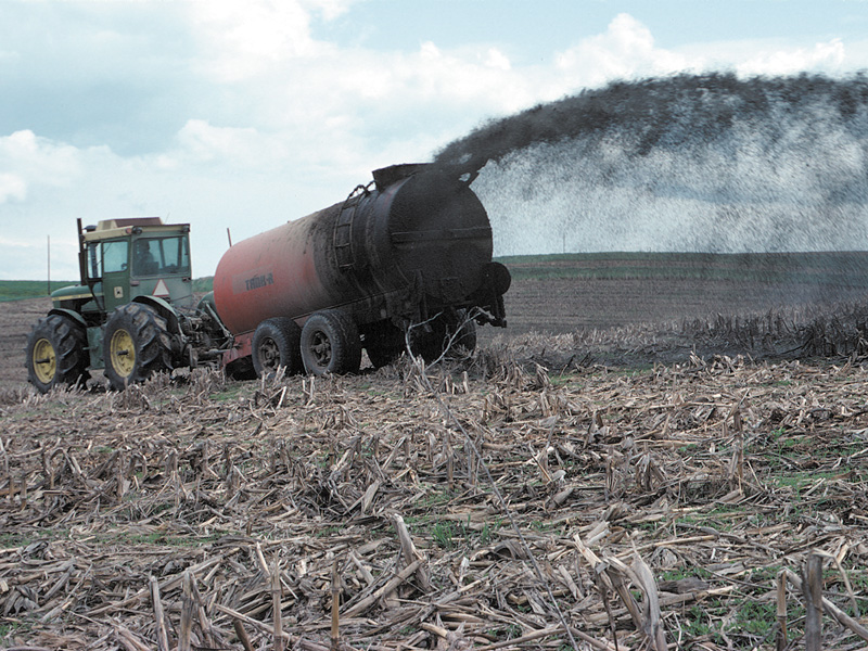 agricultural pollution There are many ways that agricultural operations can reduce nutrient pollution, including: watershed efforts: the collaboration of a wide range of people and organizations often across an entire.