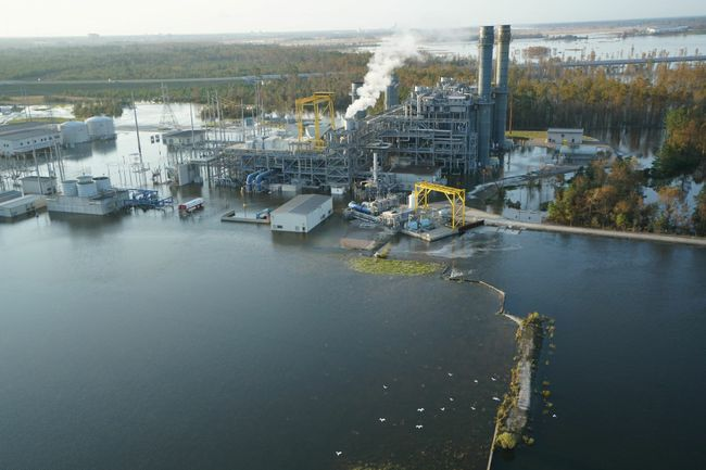 In Wilmington, a public hearing on coal ash and the Sutton plant drew just four people